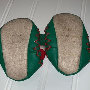 Hanna Andersson Shoes - Hanna Anderson Christmas Slipper Moccasins 0-3